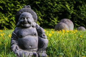 buddha-unfokussiert-167835_1920